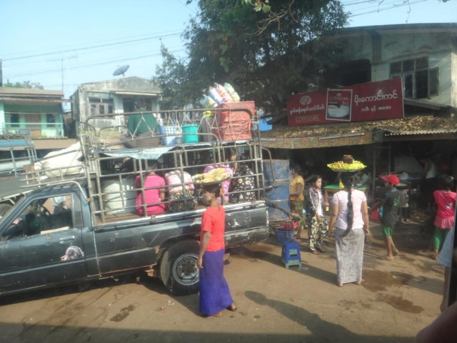 sur le chemin vers Yangon