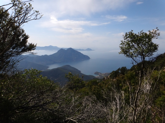 vue depuis la crête vers Girolata