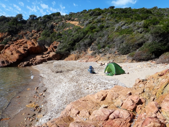 camping dans la crique près de Girolata