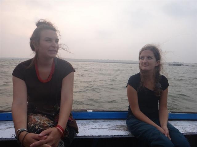 6h du mat, dans une barque sur le Gange.