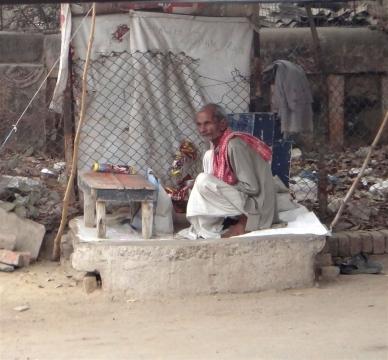Vieux monsieur à Sarnath