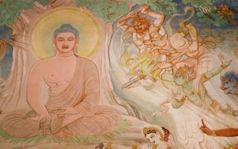 Eveil de bouddha avec les démons tentateurs.