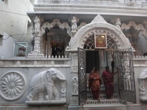 Temple en marbre blanc