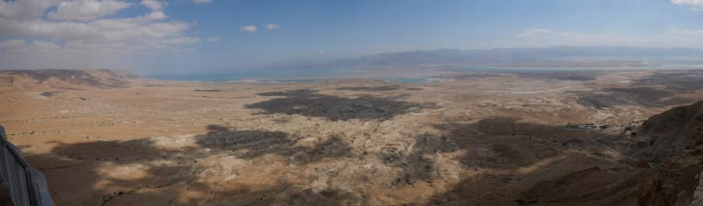 Vue sur la mer morte depuis la forteresse de Massada