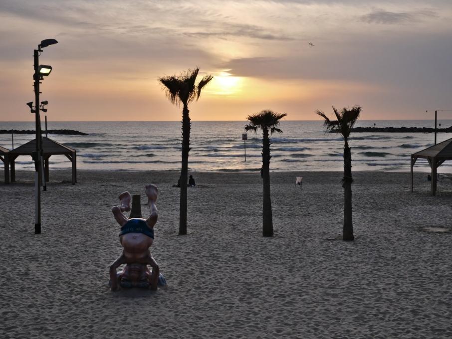 Couché de soleil depuis la plage de Tel Aviv