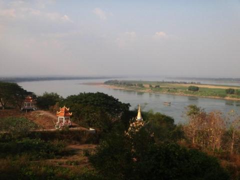 Vue sur le Mékong depuis Wat Hanchey