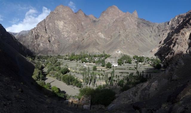 Village de Tar, nos hôtes habitent la maison en bas de la photo.