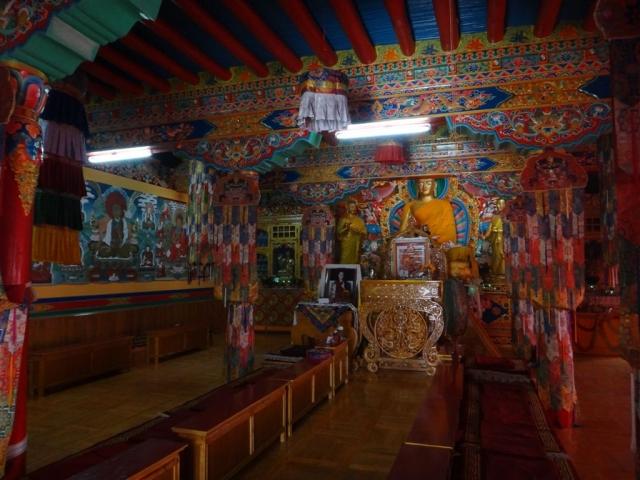 Salle des prières dans le monastère de Stok