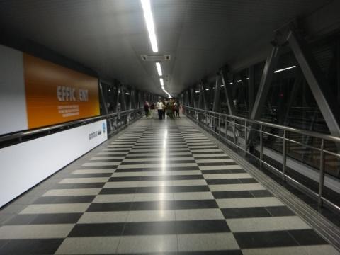 couloir piéton aerien