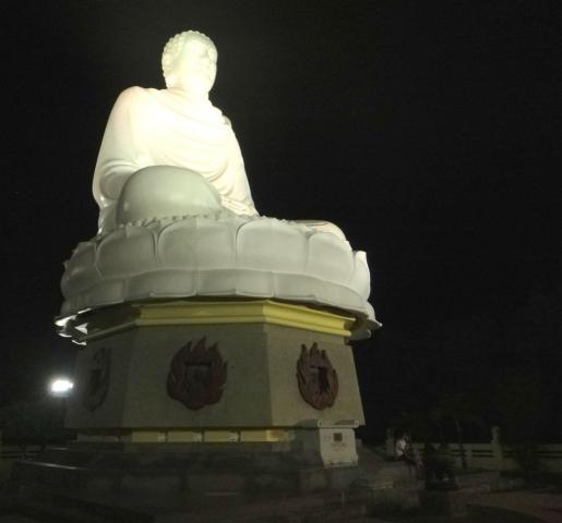 Bouddha geant de la pagode de Lang Son