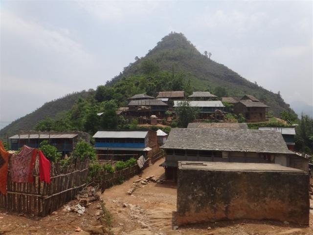 Dans le village de Ramcot.