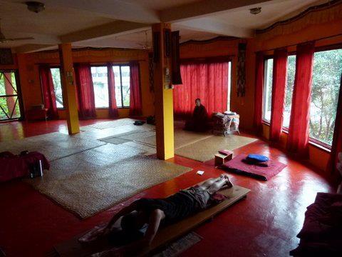 Piece d'enseignement, méditation et yoga.