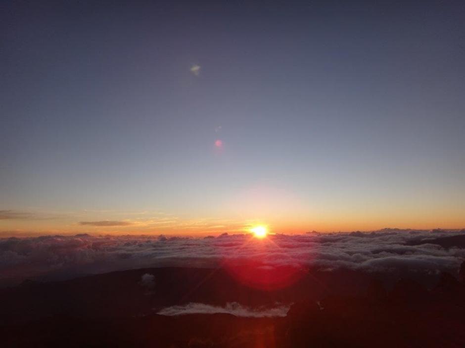 lever de soleil sur le piton des neiges
