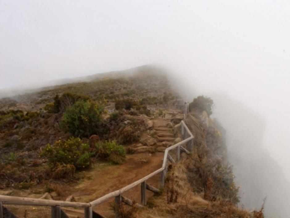 Le Maïdo dans le brouillard