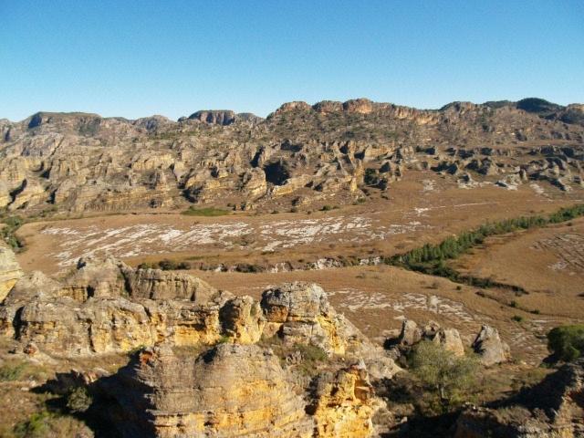 Vue sur le Massif de l'Isalo