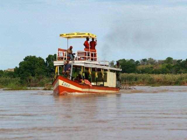 bateau sur la tsiribihina