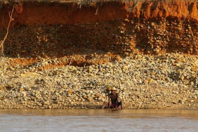 chercheur d'or sur la tsiribihina