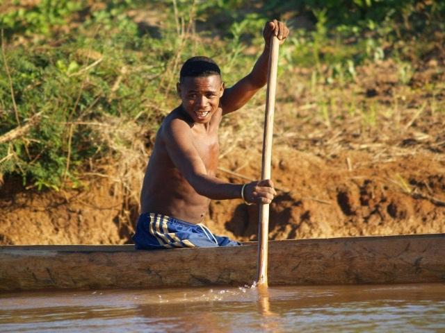 piroguier sur la tsiribihina